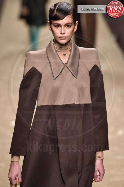 Kaia Gerber - Milano - 21-02-2019 - Milano Fashion Week: la sfilata di Fendi è dedicata a Lagerfeld