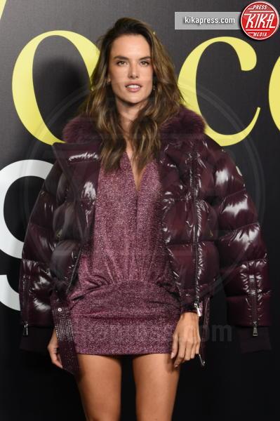 Alessandra Ambrosio - Milano - 20-02-2019 - MFW: Valeria Golino, stile in... pigiama alla sfilata Moncler!