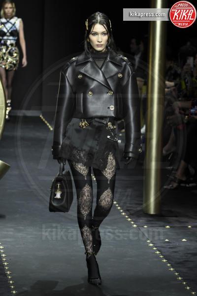 Bella Hadid, Modella - Milano - 23-02-2019 - Milano Fashion Week: la sfilata di Versace