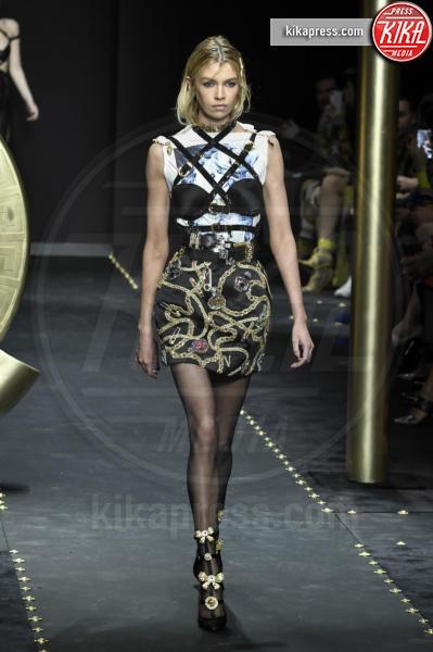 Tatiana Patitz, Modella - Milano - 23-02-2019 - Milano Fashion Week: la sfilata di Versace