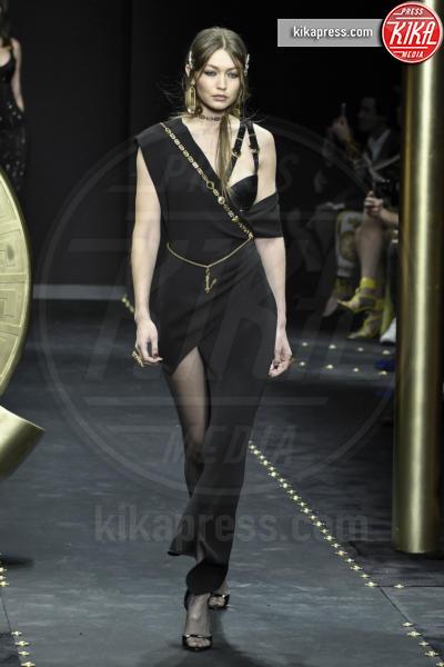 Gigi Hadid, Modella - Milano - 23-02-2019 - Milano Fashion Week: la sfilata di Versace