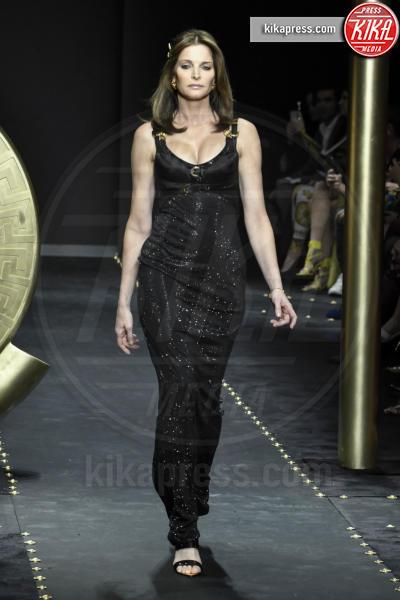 Stephanie Seymour, Modella - Milano - 23-02-2019 - Milano Fashion Week: la sfilata di Versace