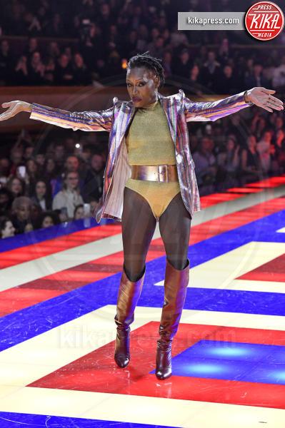 Sfilata TommyXZendaya, Grace Jones - Parigi - 02-03-2019 - Parigi Fashion Week: Grace Jones show per TommyXZendaya