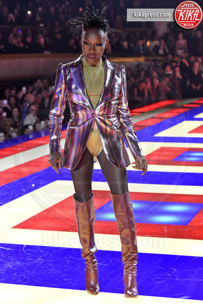 Sfilata TommyXZendaya, Grace Jones - Parigi - 02-03-2019 - Parigi Fashion Week: Grace Jones show per TommyXZendaya