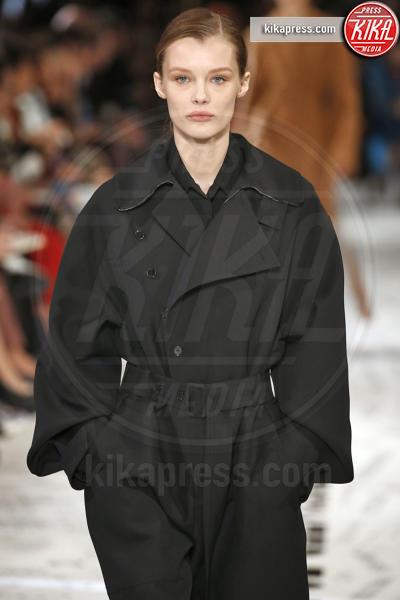 Sfilata Stella McCartney - Parigi - 04-03-2019 - PFW:Kaia Gerber e Natalia Vodianova sfilano per Stella McCartney