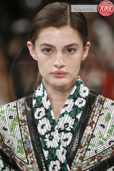 Sfilata Stella McCartney, Model - Parigi - 04-03-2019 - PFW:Kaia Gerber e Natalia Vodianova sfilano per Stella McCartney