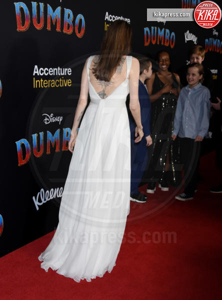 Knox Jolie-Pitt, Angelina Jolie - Hollywood - 11-03-2019 - Angelina Jolie brilla come una stella alla prima di Dumbo