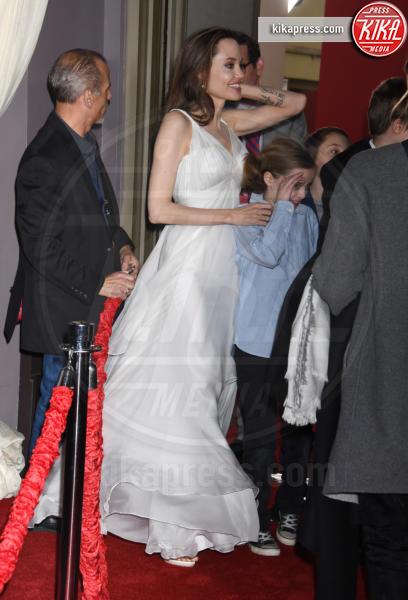 Knox Jolie-Pitt, Vivienne Marcheline Jolie-Pitt, Angelina Jolie - Hollywood - 11-03-2019 - Angelina Jolie brilla come una stella alla prima di Dumbo