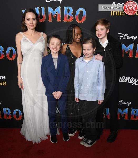 Vivienne Jolie Pitt, Shiloh Jolie Pitt, Knox Leon Jolie Pitt, Zahara Jolie Pitt, Angelina Jolie - Hollywood - 11-03-2019 - Angelina Jolie brilla come una stella alla prima di Dumbo