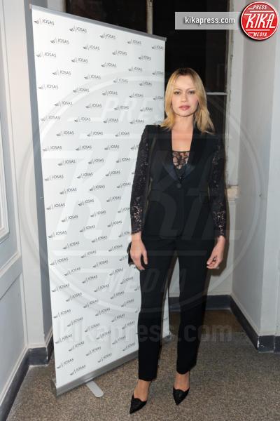 Anna Falchi - 14-03-2019 - Anna Falchi va in boutique... del real estate però