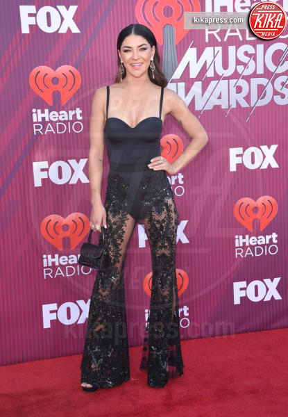 Jessica Szohr - Los Angeles - 14-03-2019 - A volte ritornano: Taylor Swift agli iHeartRadio Music Awards