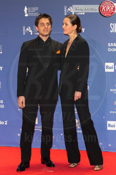 Luca Marinelli - Roma - 27-03-2019 - David 2019: il volo della gonna di Taylor Mega sul red carpet