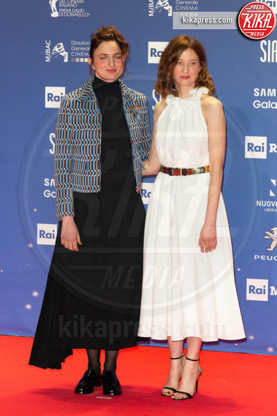 Alba Rohrwacher, Alice Rohrwacher - Roma - 27-03-2019 - David 2019: il volo della gonna di Taylor Mega sul red carpet