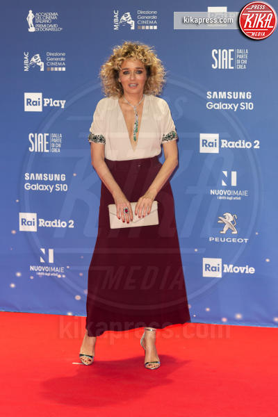 Valeria Golino - Roma - 27-03-2019 - David 2019: il volo della gonna di Taylor Mega sul red carpet