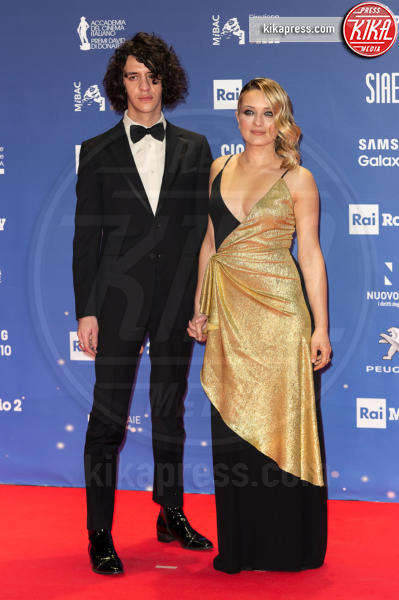 Francesco Motta, Carolina Crescentini - Roma - 27-03-2019 - David 2019: il volo della gonna di Taylor Mega sul red carpet