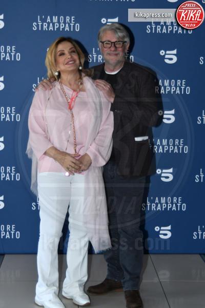 Simona Izzo, Ricky Tognazzi - Roma - 28-03-2019 - Suoceri famosi delle star... e dove trovarli!