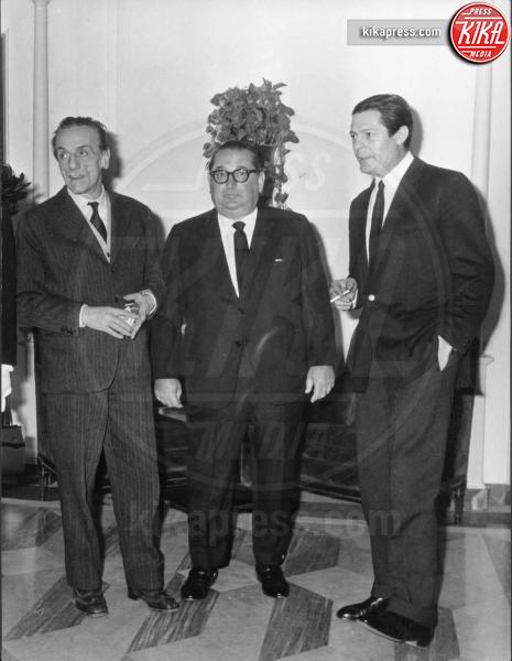 Eduardo De Filippo, Marcello Mastroianni - Roma - 09-02-1972 - In vendita a Velletri la villa di Eduardo De Filippo