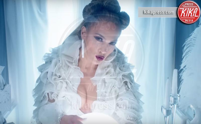 Jennifer Lopez - Los Angeles - 09-04-2019 - Jennifer Lopez, il videoclip di Medicine è vietato ai minori