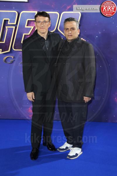Joe Russo, Anthony Russo - Londra - 10-04-2019 - Due vestiti in uno, Scarlett Johansson è magnifica