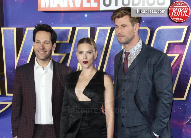 Chris Hemsworth, Paul Rudd, Scarlett Johansson - Londra - 10-04-2019 - Due vestiti in uno, Scarlett Johansson è magnifica