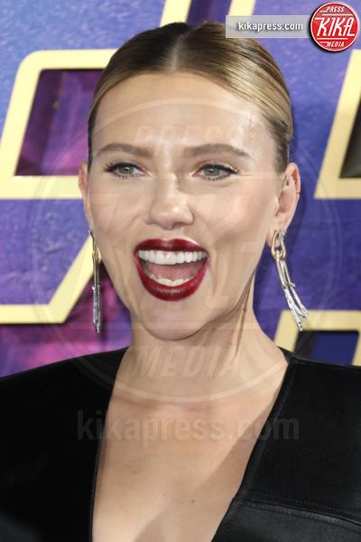 Scarlett Johansson - Londra - 10-04-2019 - Due vestiti in uno, Scarlett Johansson è magnifica