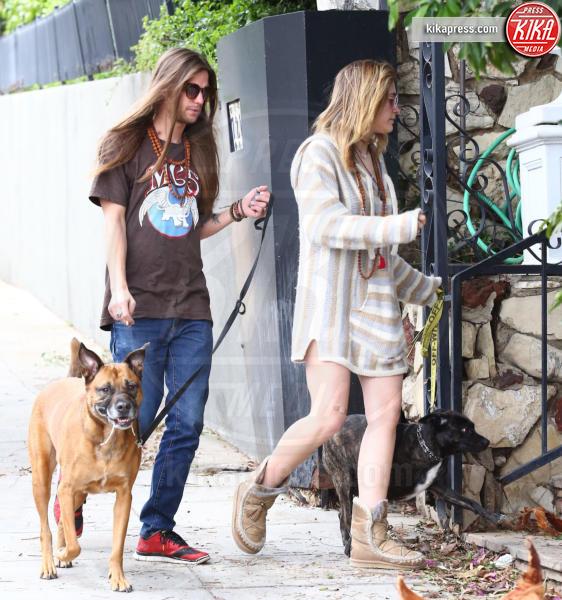 Gabriel Glenn, Paris Jackson - Hollywood - 11-04-2019 - Paris Jackson e Gabriel Glenn, vi sembrano fidanzati?