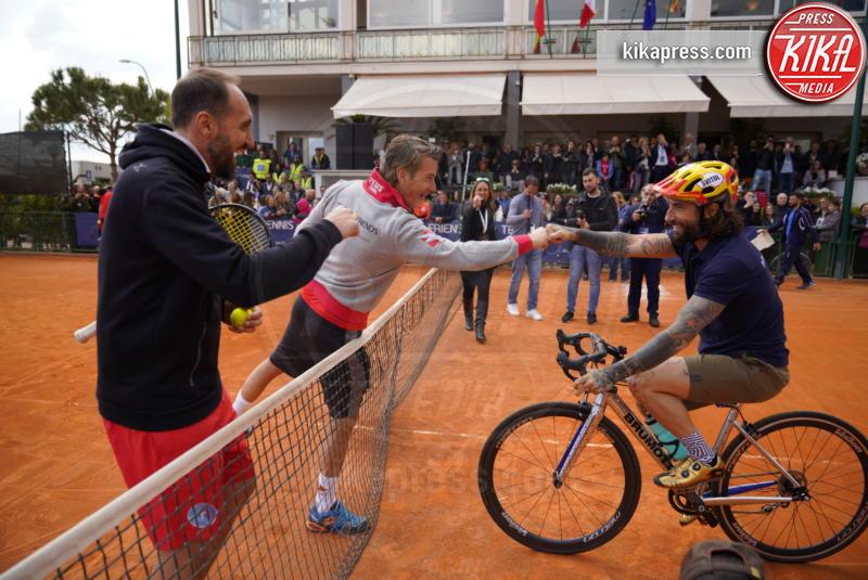 Diego Nargiso, Vittorio Brumotti, Paolo Bonolis - Napoli - 13-04-2019 - Paolo Bonolis e Jimmy Ghione trionfano a Napoli Tennis & Friends