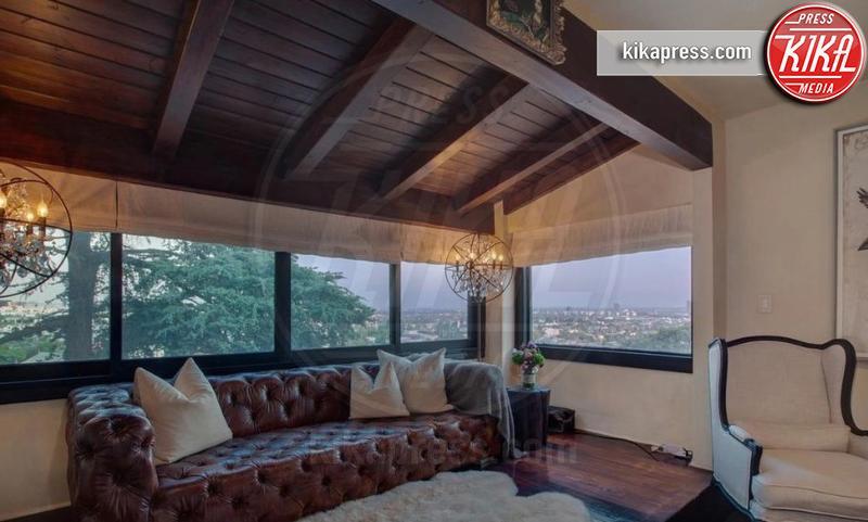 Villa Aaron Paul - Los Angeles - 17-04-2019 - La villa vintage di Aaron Paul. Che stile Jesse Pinkman!