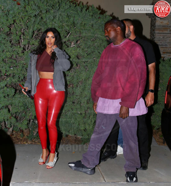 Kim Kardashian - LA - 25-04-2019 - Vestiti scomodi e dove trovarli: seguite Kim Kardashian!