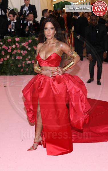 Halsey - New York - 07-05-2019 - Met Gala 2019: Katy Perry uno chandelier, Dua Lipa una farfalla