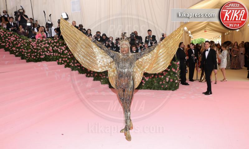Billy Porter - New York - 07-05-2019 - Met Gala 2019: Katy Perry uno chandelier, Dua Lipa una farfalla