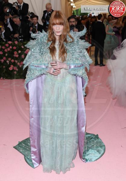 Florence Welch - New York - 07-05-2019 - Met Gala 2019: Katy Perry uno chandelier, Dua Lipa una farfalla