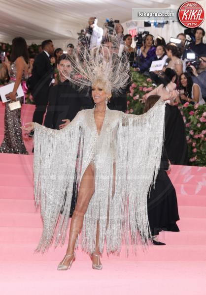 Celine Dion - New York - 07-05-2019 - Met Gala 2019: Katy Perry uno chandelier, Dua Lipa una farfalla