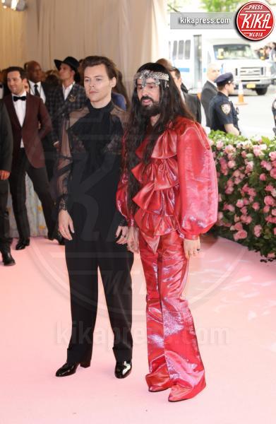 Harry Styles - New York - 07-05-2019 - Met Gala 2019: Katy Perry uno chandelier, Dua Lipa una farfalla