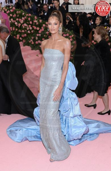 Guest - New York - 07-05-2019 - Met Gala 2019: Katy Perry uno chandelier, Dua Lipa una farfalla