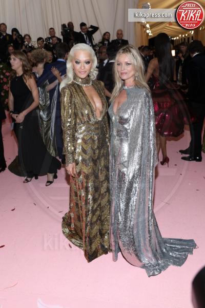 Kate Moss - New York - 07-05-2019 - Met Gala 2019: Katy Perry uno chandelier, Dua Lipa una farfalla