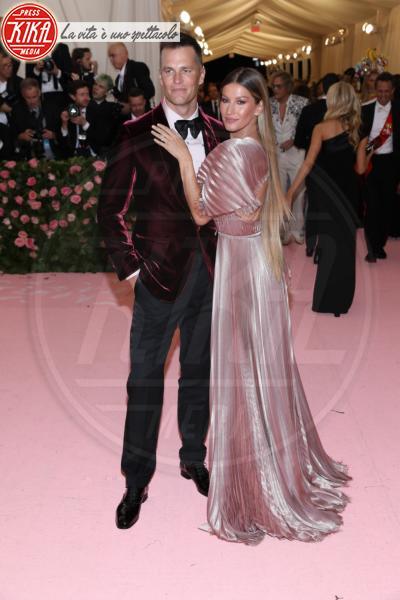 Tom Brady, Gisele Bundchen - New York - 07-05-2019 - Met Gala 2019: Katy Perry uno chandelier, Dua Lipa una farfalla