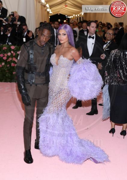 Travis Scott, Kylie Jenner - New York - 07-05-2019 - Met Gala 2019: Katy Perry uno chandelier, Dua Lipa una farfalla