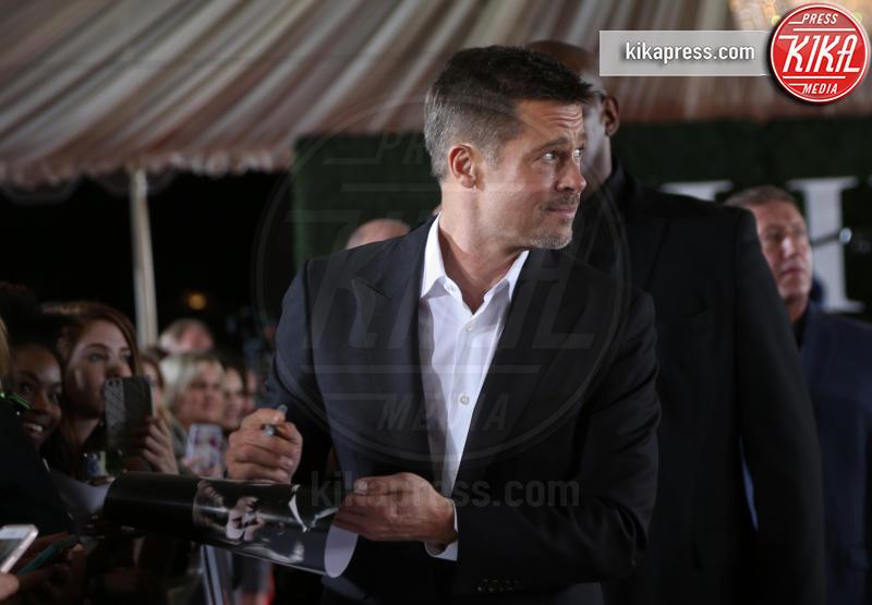 Brad Pitt - Westwood - 09-11-2016 - Le manie delle star che forse non conoscevate