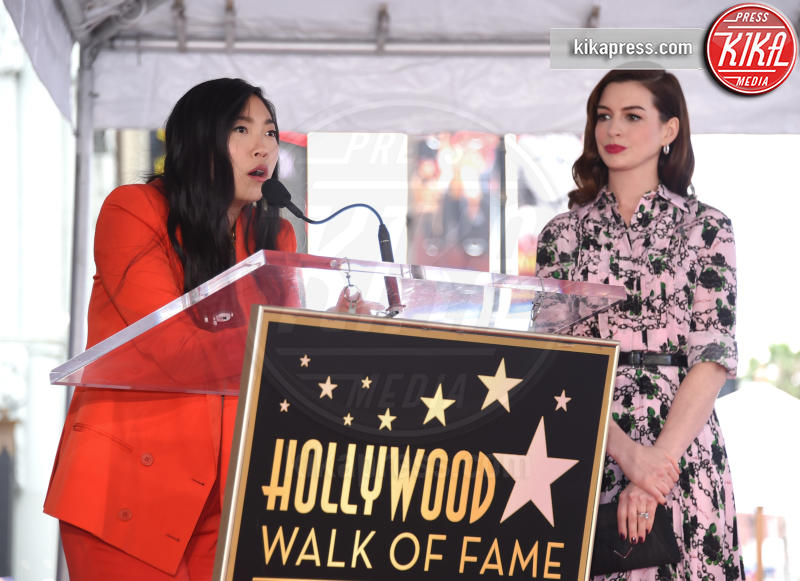 Awkwafina, Anne Hathaway - Hollywood - 09-05-2019 - Anne Hathaway, la stella più bella sulla Walk of Fame