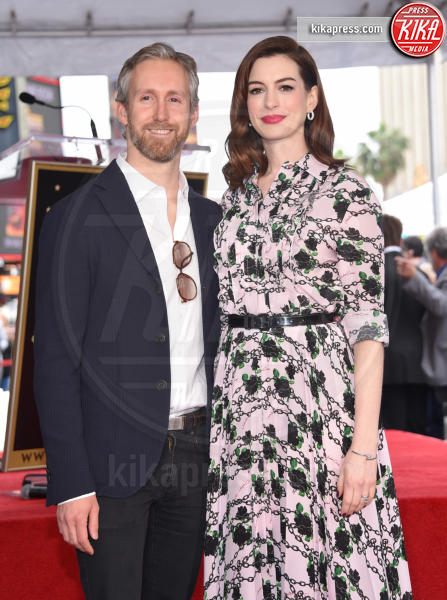 Adam Shulman, Anne Hathaway - Hollywood - 09-05-2019 - Anne Hathaway, la stella più bella sulla Walk of Fame