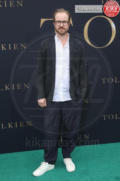 Lasse Frank Johannessen - Los Angeles - 08-05-2019 - Lily Collins multicolor, Nicholas Hoult è un Tolkien in... rosa!