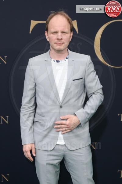 Dome Karukoski, Director - Los Angeles - 08-05-2019 - Lily Collins multicolor, Nicholas Hoult è un Tolkien in... rosa!