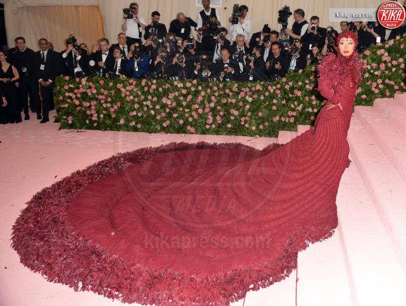 Cardi B - New York - 06-05-2019 - Met Gala 2019: Katy Perry uno chandelier, Dua Lipa una farfalla