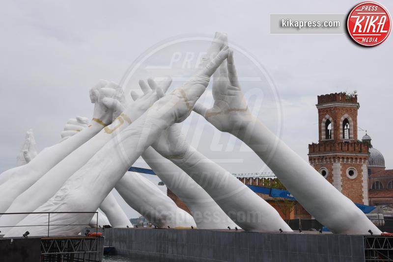 Building Bridges, Biennale Venezia - Venezia - 11-05-2019 - Biennale, l'inaugurazione di Building Bridges di Lorenzo Quinn