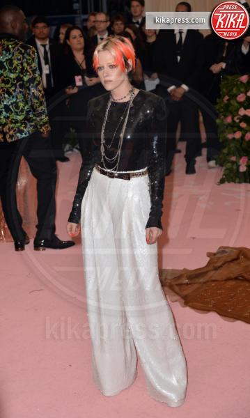 Kristen Stewart - New York - 06-05-2019 - Met Gala 2019: Katy Perry uno chandelier, Dua Lipa una farfalla