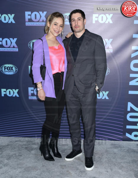 Jenny Mollen, Jason Biggs - New York - 13-05-2019 - Beverly Hills 90210: reunion ufficiale per i palinsesti Fox!