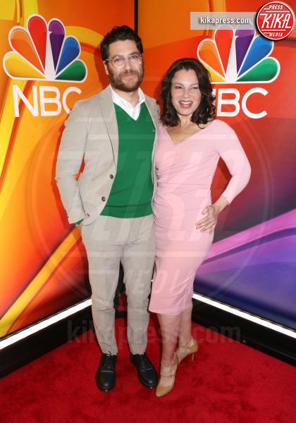 Adam Pally, Fran Drescher - New York - 13-05-2019 - Rieccola! Tata Francesca alla presentazione dei palinsesti NBC