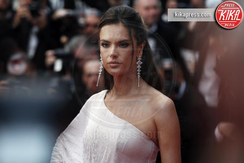 Alessandra Ambrosio - Cannes - 14-05-2019 - Cannes 72, Selena Gomez alla prima assoluta sulla Croisette