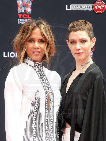 Asia Kate Dillon, Halle Berry - Hollywood - 14-05-2019 - Keanu Reeves mette le impronte nella storia del cinema